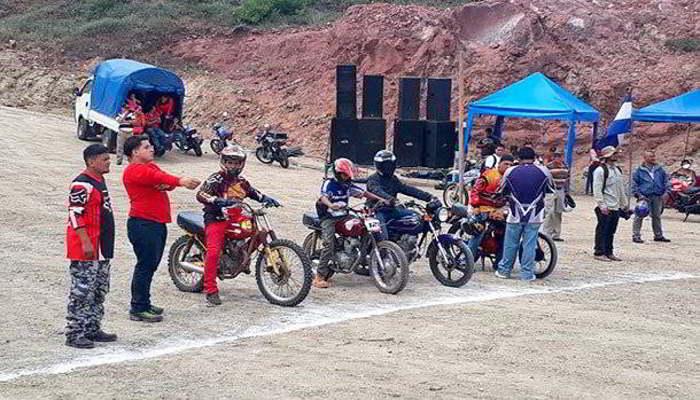 Amantes del motocross cuentan con nueva pista enMatagalpa