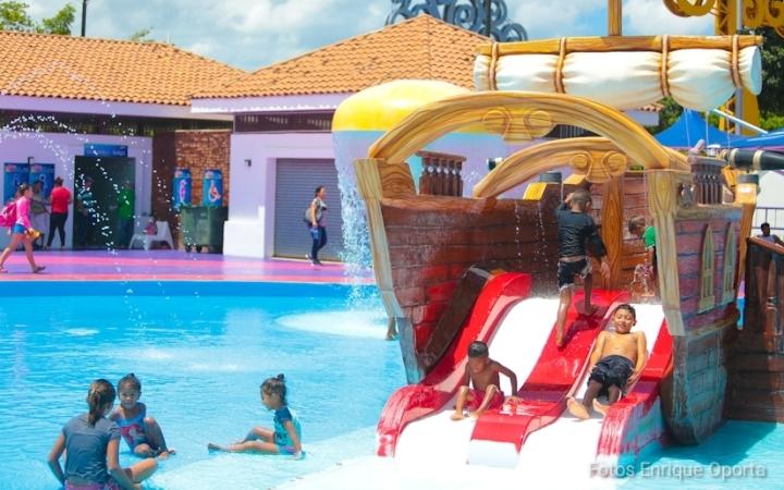 Nicaragüenses se refrescan y divierten en el parque acuático; #AmoryPazNicaragua #Nicaragua40Revolucion #ElTayacanVencedor #NiUnPasoAtras #NicaraguaLinda #NicaraguaTrabajoyPaz #NicaraguaQuierePaz #NicaraguaSandinoSiempre #FeFamiliayComunidad