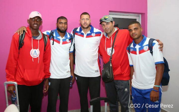 Nicaragua da la bienvenida a la Selección de beisbol deCuba