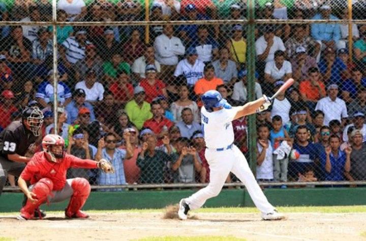 Nicaragua va por histórica barrida sobre Cuba enbéisbol