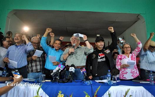 Trabajadores de Nicaragua reafirman su compromiso con la defensa de la paz y sus derechos! #SOMOCISMONUNCAMAS #FNTNNIUNPASOATRAS #ELTAYACANVENCEDOR